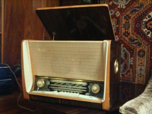Латвия Радиола ламповая